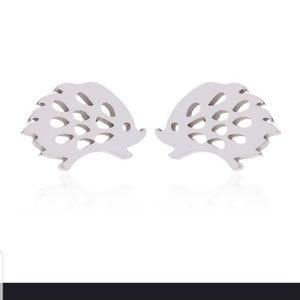 🦔🦔Super Adorable Hedgehog in Silver earrings🦔🦔